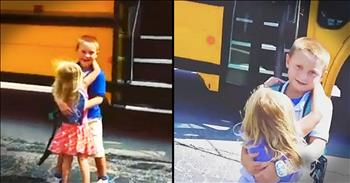 Little+Sister+Hugs+Big+Brother+When+He+Gets+Off+The+Bus