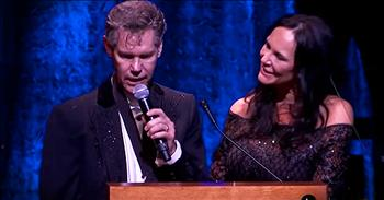 Randy Travis Sings 'Amazing Grace' 3 Years After Stroke
