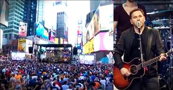 Matt Redman Turns Times Square Into A Church