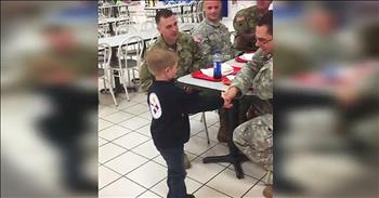 5-Year-Old Thanks Soldiers Eating At The Mall