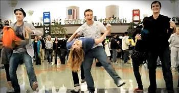 Incredible Thanksgiving Flashmob At Denver Airport