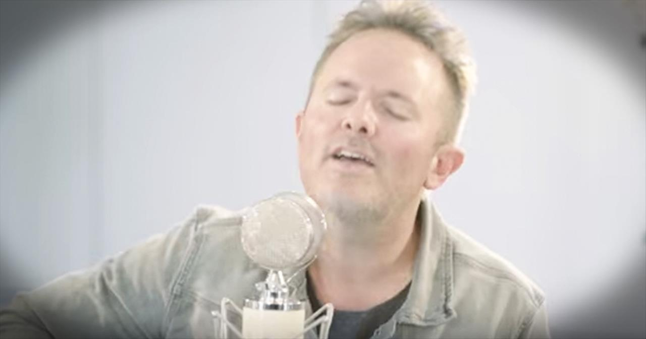 'Come Thou Fount' - Acoustic Performance From Chris Tomlin