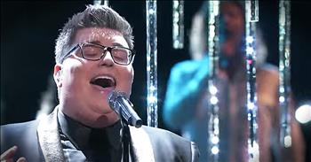 Jordan Smith Sings 'O Holy Night' On The Voice