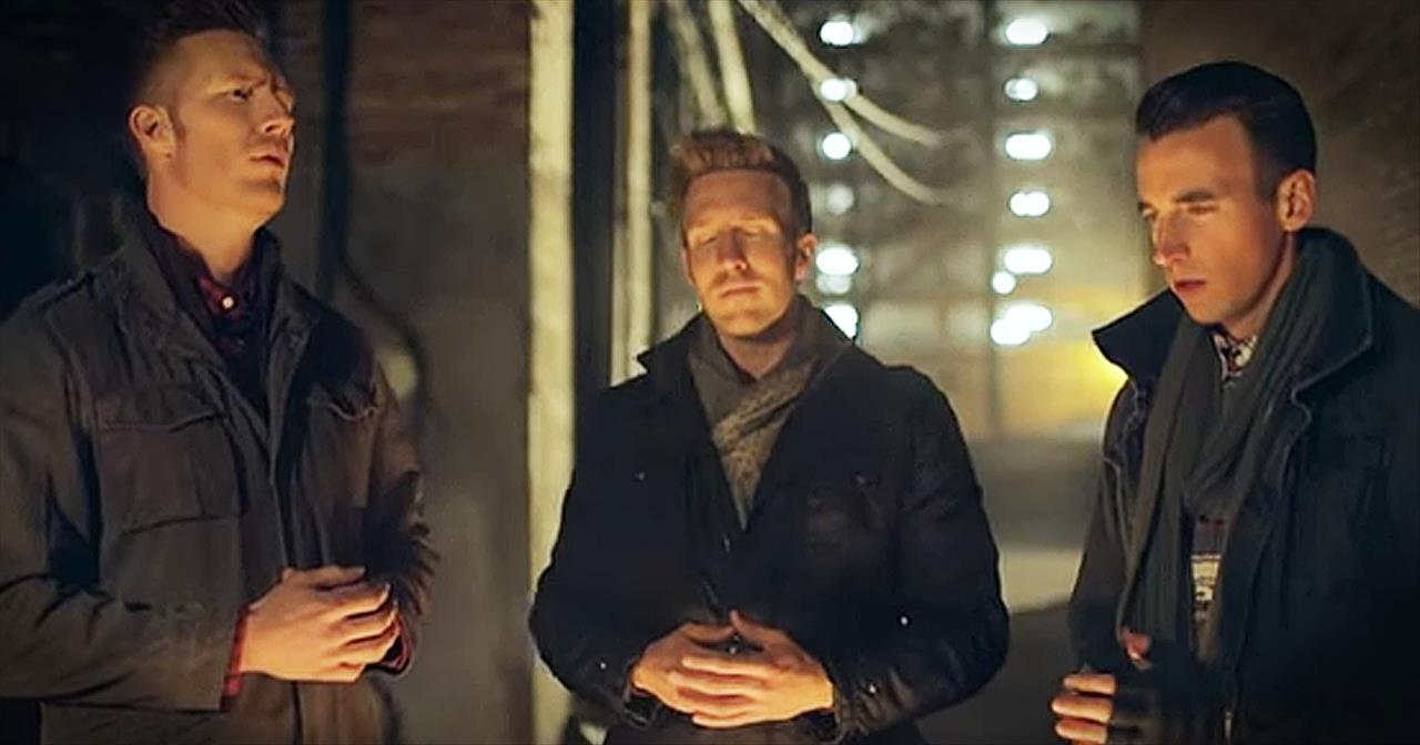 Men Of Gentri Perform 'O Holy Night'