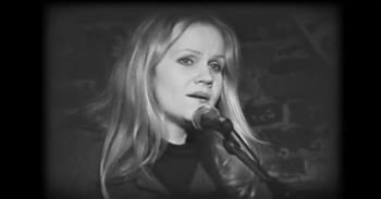 Eva Cassidy Beautifully Covers 'Over The Rainbow'