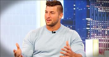 Tim Tebow Shares Story Of John 3:16 During Game