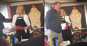Students Surprise Beloved Waitress With $1,500 For Christmas