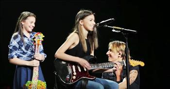 Keith Urban Pulls 2 Sisters On Stage To Sing