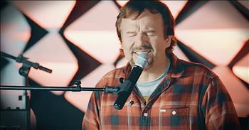 'Glorious Day' - Acoustic Performance From Casting Crowns
