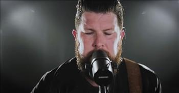 'Chain Breaker' - Live Performance From Zach Williams