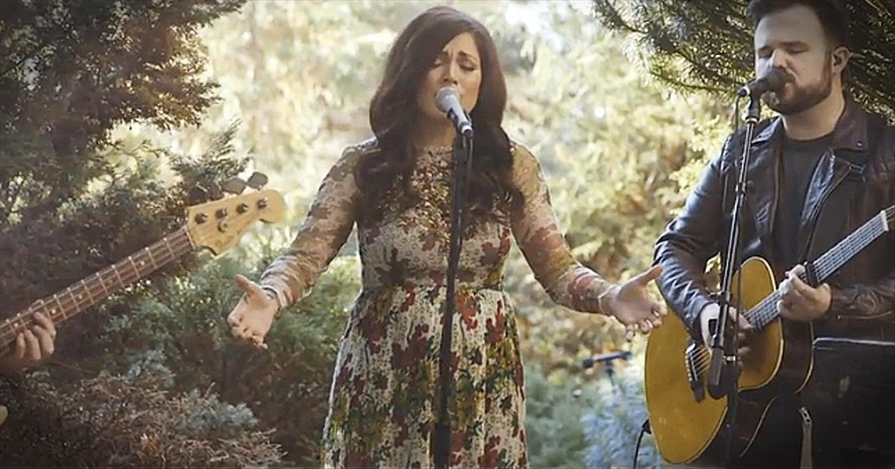 'Heal Our Land' - Acoustic Kari Jobe Performance