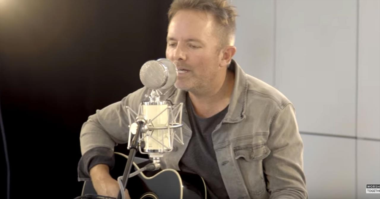 Worship With Chris Tomlin And Friends With Acoustic 'He Lives'