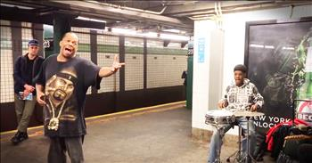This Subway Singer Stuns Commuters And When You Hear His Voice, You'll Know Why