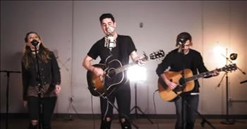Passion Band and Kristian Stanfill Perform 'Glorious Day' At New Song Cafe