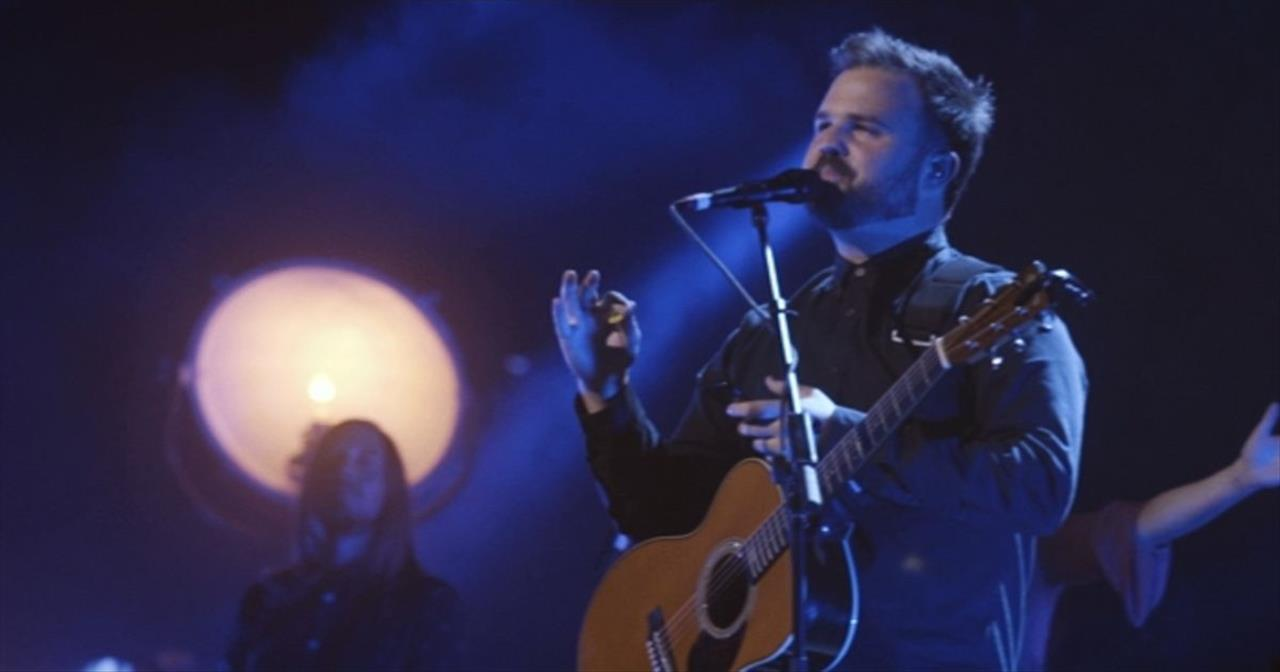Cody Carnes Performs 'The Cross Has The Final Word' Live!