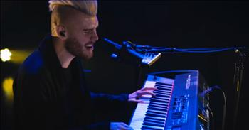 Colton Dixon Performs New Song All That Matters at KLOVE
