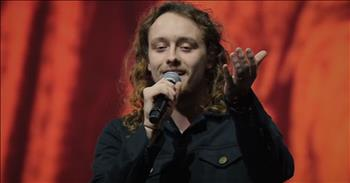 Hillsong Worship Praises With Live Performance of 'Crowns'