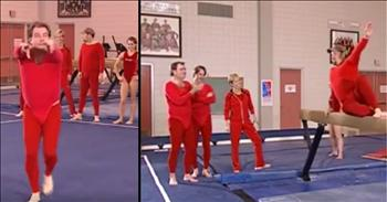 Comedians Jeff Foxworthy, Larry the Cable Guy and Bill Engvall Hilariously Head to the Gym In Red Spandex