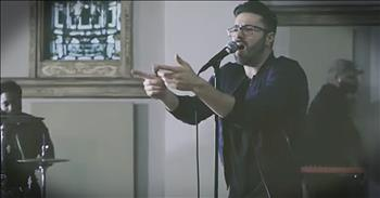 'Slow Down' - Danny Gokey Performance