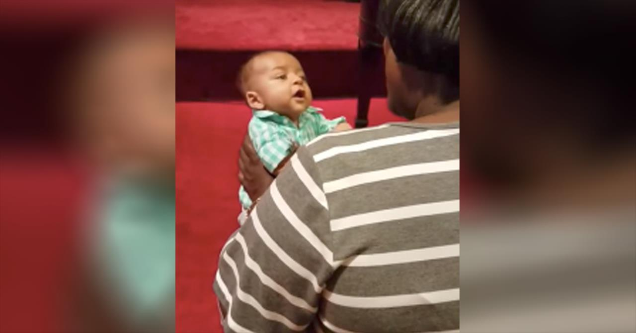 Baby+Sings+Along+During+Church+Service