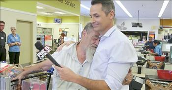 Good Samaritans Pay For Tearful Veteran's Groceries