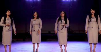 4 Young Women Sing 'The Prayer'