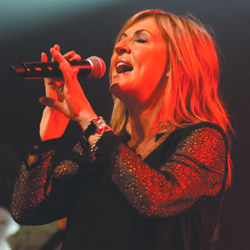 Darlene Zschech: Shouting From The Hillside