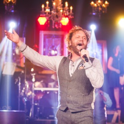 "David Phelps Releases ""Freedom"" DVD"