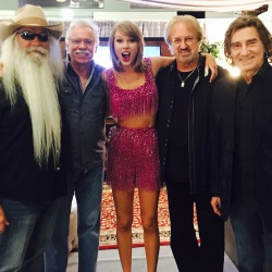 "The Oaks Can't ""Shake It Off' After Seeing Taylor Swift's Show"