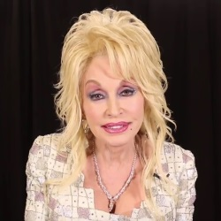Dolly Parton Pledges to Help Wildfire Victims
