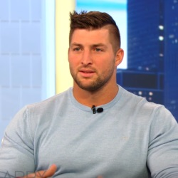 Harry Connick Jr. Interviews Tim Tebow about John 3:16 Moment