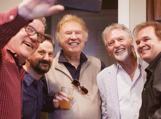 Mark Lowry taking a selfie with Jonathan Martin, Bill, Larry Gatlin, and Jeff Easter