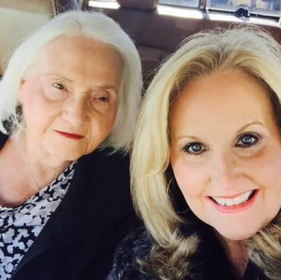 Karen Peck posts a sweet pic with her mom, Sue